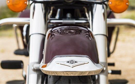 Harley-Davidson Road King - motorbike rental Malaga