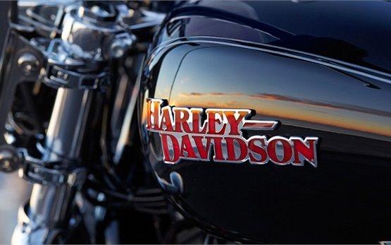 2016 Harley Davidson XL 1200T Superlow - rent motorbike Malaga
