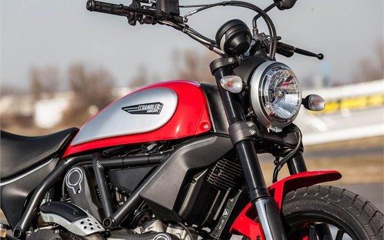 Дукати Скремблер Икон - аренда мотоцикла Барселоне
