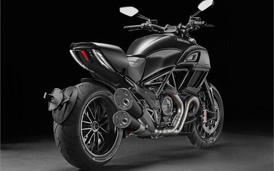 Ducati Diavel - motorbike rental Rome