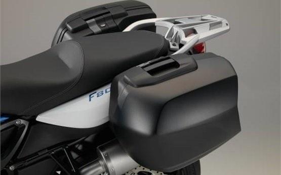 BMW F 800 R - motorbike rental in Munich