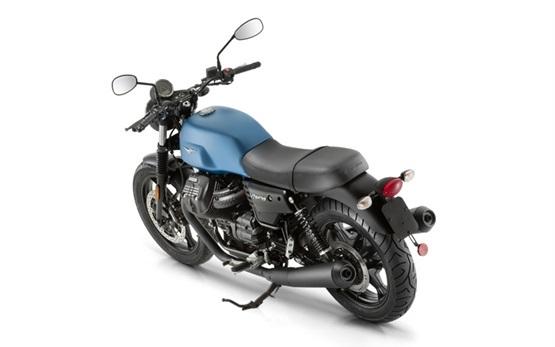 Moto Guzzi V7 - motorbike rental in Florence