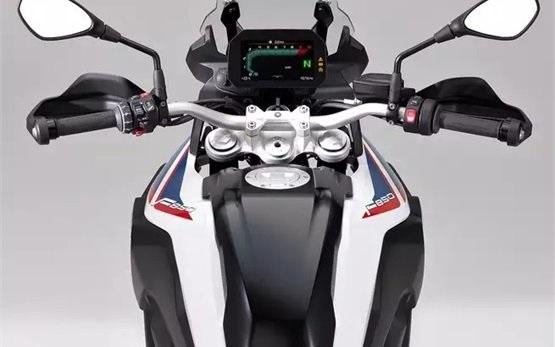 BMW F850 GS rent a bike in Bilbao