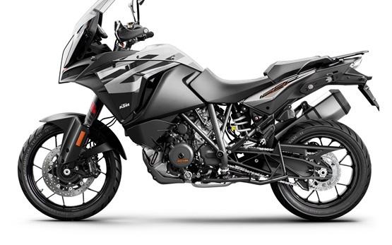 KTM 1290 Super Adventure S - rent a motorbike in Malaga