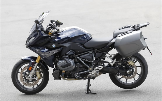 BMW R 1250 RS - rent a motorbike in Geneva