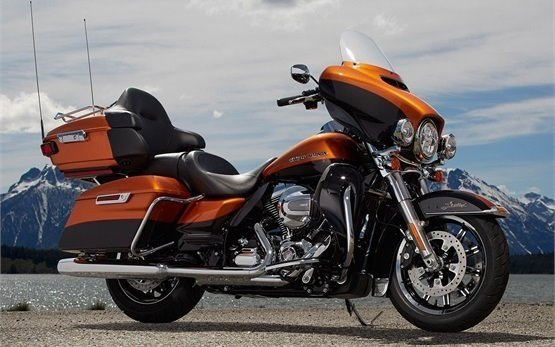 Harley-Davidson Electra Glide Ultra Limited - rent a motorbike in Rome