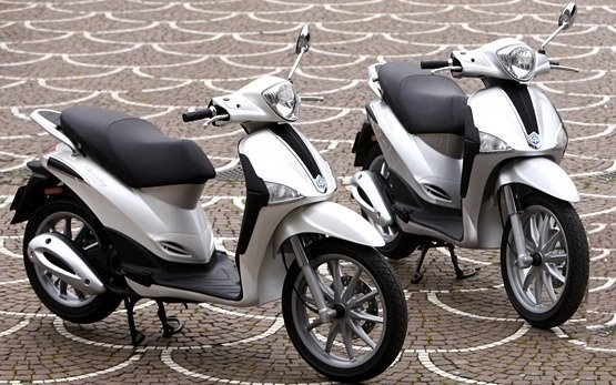 Piaggio Liberty 125 - scooter rental