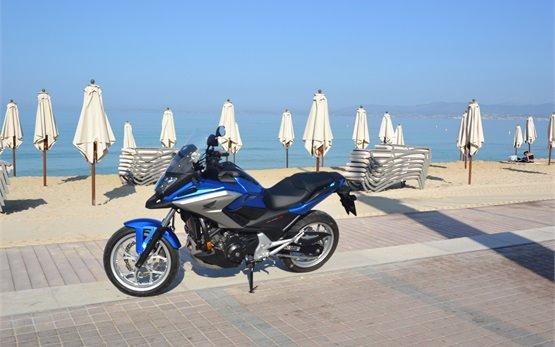 Honda NC750X - мотоцикл напрокат в Мальорка, Испании