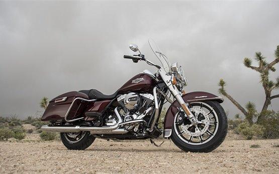 Harley - Davidson Road King - alquilar una motocicleta en Niza