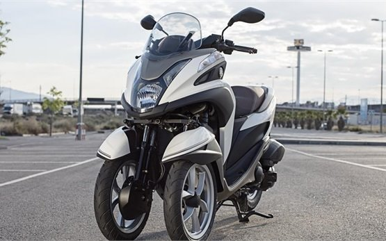 Yamaha Tricity 125cc - scooter rental in Lisbon