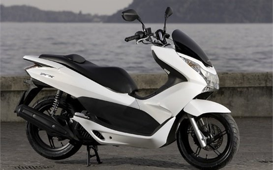 Honda PCX 125 - scooter for rent in Cannes