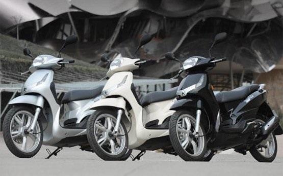Peugeot Tweet 50cc - Rollervermietung Madrid