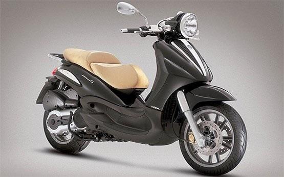 Piaggio Beverly 300cc Rollervermietung in Sardinien-Alghero
