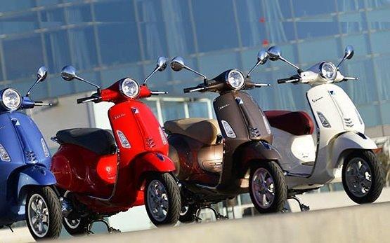 2013 Piaggio Vespa 125 Rollervermietung in Spanien