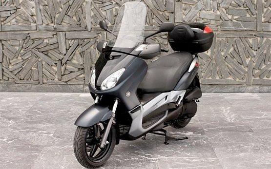 2013 Yamaha X-Max 125 - Rollervermietung Madrid